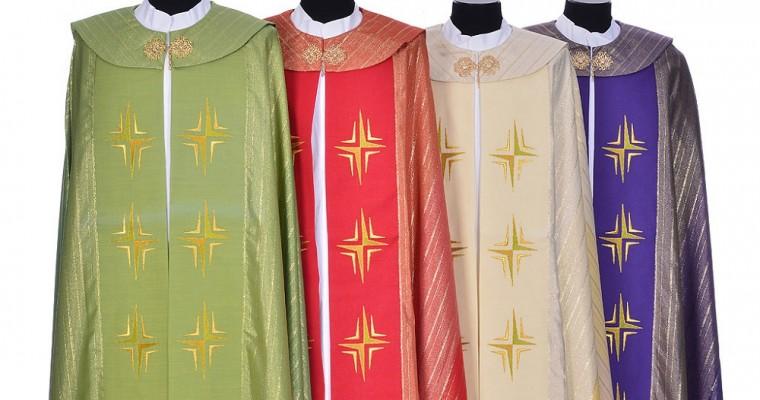 La chape liturgique pendant les célébrations