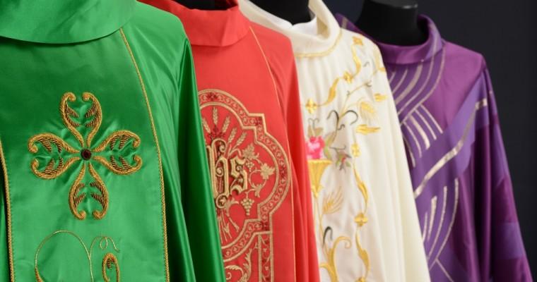 Les couleurs dans la liturgie catholique et leur signification