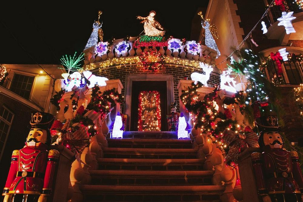 La magie de Noël dans le quartier newyorkais de Dyker Heights