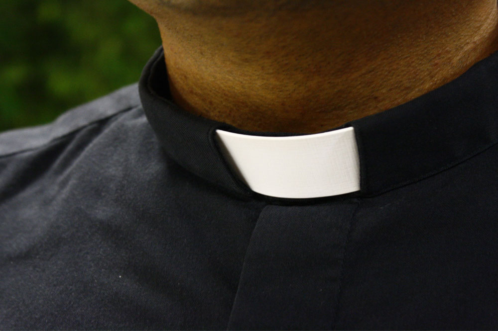 Habillement clergé : la simple élégance du clergyman