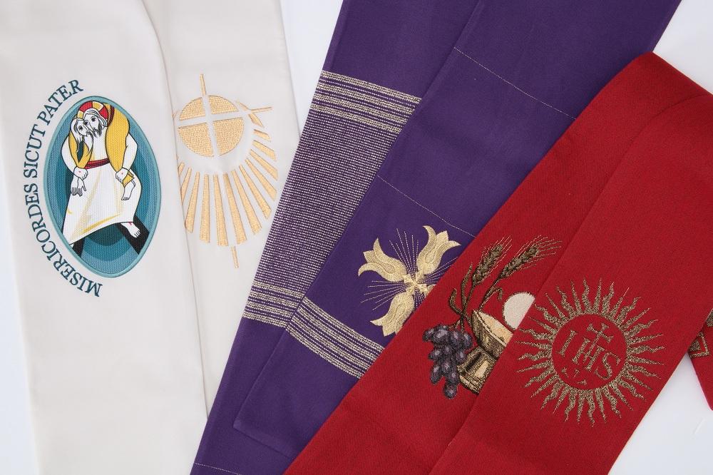 Étoles liturgiques